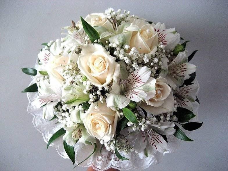 Букет невесты из белых альстромерии и розы, купить бишкеке